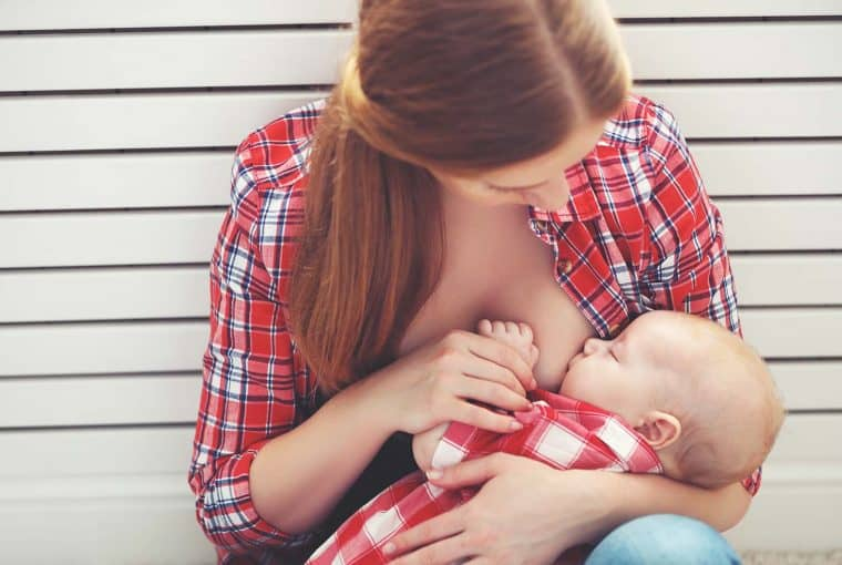Regardless of how well researched you are, there might be some things you don't expect to happen when breastfeeding, but they do. Most of us know that it helps us connect with our baby, and breastfeeding makes us super hungry, but did any of these other things happen for you too?
