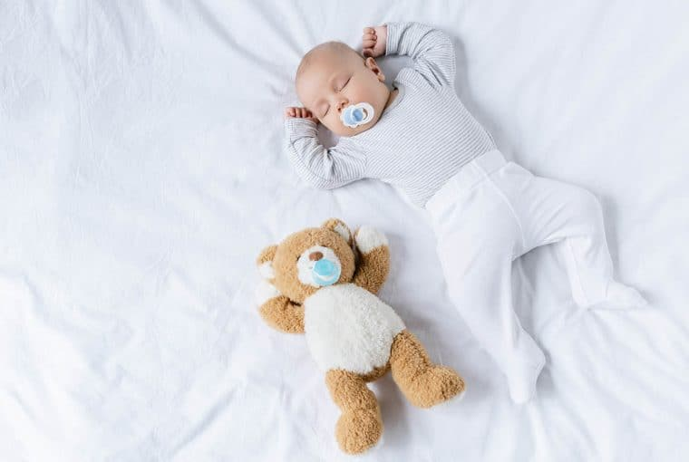 You know that feeling when you're pacing the hallway at 2am when your baby won't sleep and you're wondering what you're doing wrong. We've all been there. But these are some of the things you need to know and need to remind yourself at this time so you don't go totally crazy.