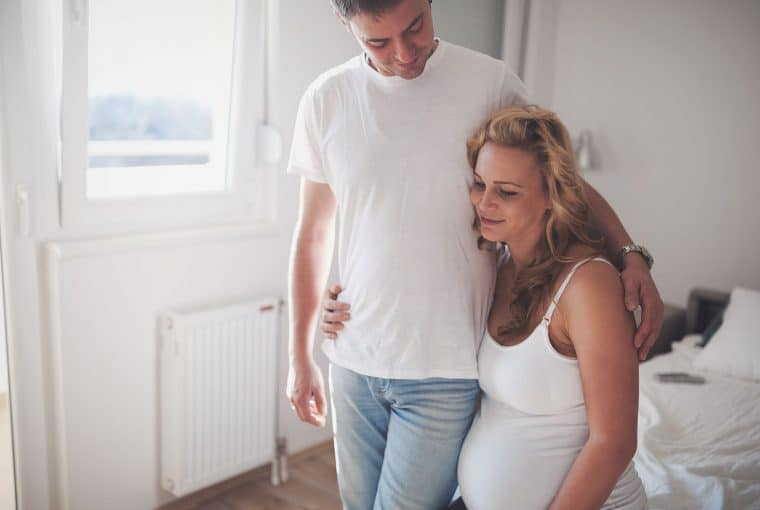 Labour and birth is one of the most physically and emotionally profound experiences of your life. Here are 17 natural ways to cope with labour and birth, so you can prepare and help yourself in labour to work towards a positive experience.