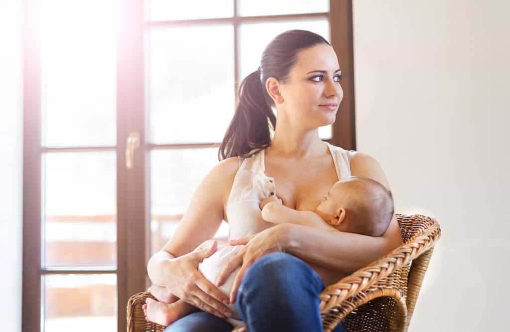 Simple breastfeeding mistakes can be the difference between you enjoying breastfeeding, and you wanting to quit because it's just not working. These are some of the breastfeeding mistakes new moms make and how you can avoid them (or fix them).